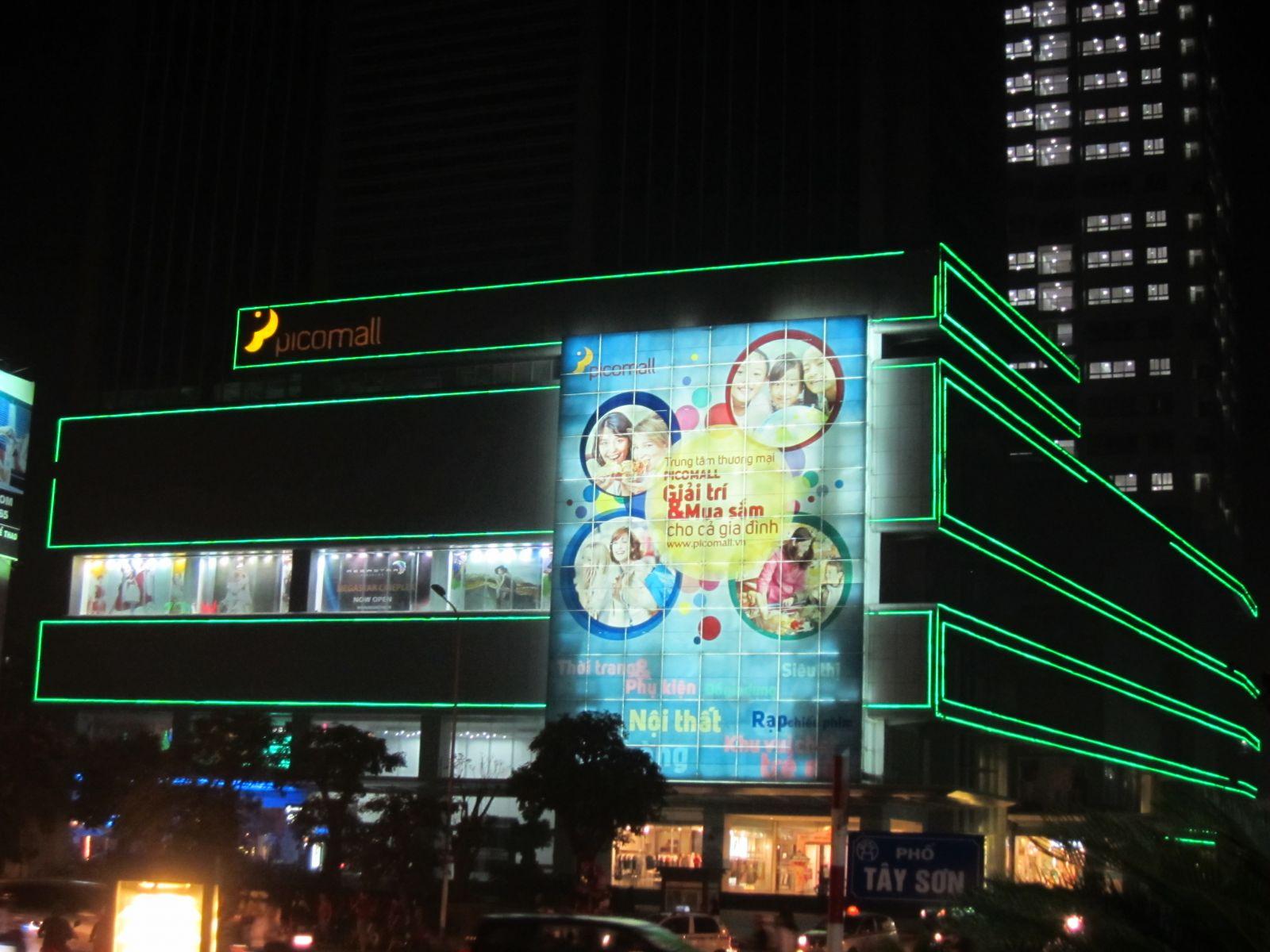 <p class='title-pro'>Pico Mall - 229 Tây Sơn</p><div class='box_info_pro'><div class='title_inf_pro'><span>Chủ đầu tư</span>: Công ty cổ phần PICO</div><div class='title_inf_pro'><span>Vai trò đảm nhận</span>: Nhà thầu Điện</div><div class='title_inf_pro'><span>Địa điểm</span>: 229 Tây Sơn, Đống Đa, Hà Nội</div><div class='title_inf_pro'><span>Thời gian hoàn thành</span>: Tháng 5-2011</div><p class='box-work'><span>Hạng mục công việc</span>: Cung cấp và thi công lắp đặt hệ thống Điện Siêu thị và Chiếu sáng mặt tiền tòa nhà.</p></div>