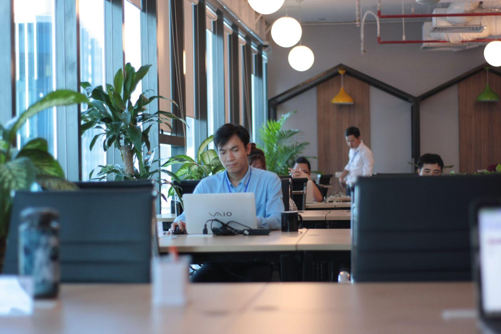 <p class='title-pro'>Cogo TNR Tower</p><div class='box_info_pro'><div class='title_inf_pro'><span>Chủ đầu tư</span>: Công ty cổ phần thương mại dịch vụ Cogo</div><div class='title_inf_pro'><span>Vai trò đảm nhận</span>: Tổng thầu Cơ điện</div><div class='title_inf_pro'><span>Địa điểm</span>: 54 Nguyễn Chí Thanh - Q. Đống Đa - Tp. Hà Nội</div><div class='title_inf_pro'><span>Thời gian hoàn thành</span>: </div><p class='box-work'><span>Hạng mục công việc</span>: </p></div>