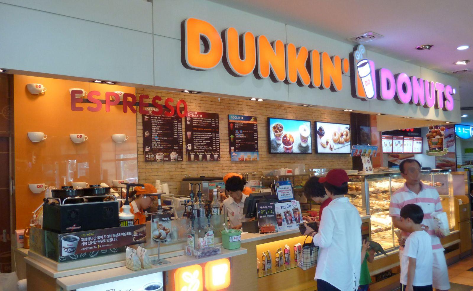 <p class='title-pro'>Dunkin Donuts - IPH Xuân Thủy</p><div class='box_info_pro'><div class='title_inf_pro'><span>Chủ đầu tư</span>: Công ty TNHH DV thực phẩm & Giải khát Cánh Diều Xanh</div><div class='title_inf_pro'><span>Vai trò đảm nhận</span>: Nhà thầu Cơ điện</div><div class='title_inf_pro'><span>Địa điểm</span>: Tầng trệt, Indochina Plaza, 241 Xuân Thủy, Hà Nội</div><div class='title_inf_pro'><span>Thời gian hoàn thành</span>: </div><p class='box-work'><span>Hạng mục công việc</span>: Cung cấp và thi công lắp đặt hệ thống Điện, điện nhẹ, cấp thoát nước & điều hòa thông gió.</p></div>